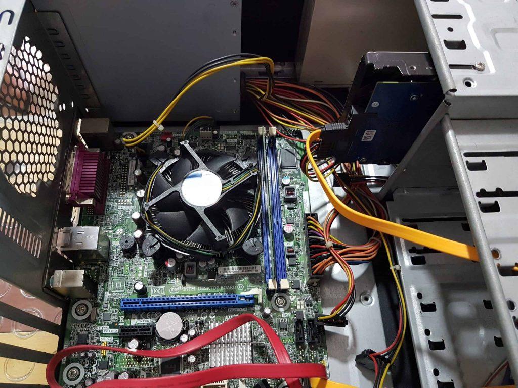 Actualizar una computadora requiere analizar tanto el hardware como el software que usa la máquina