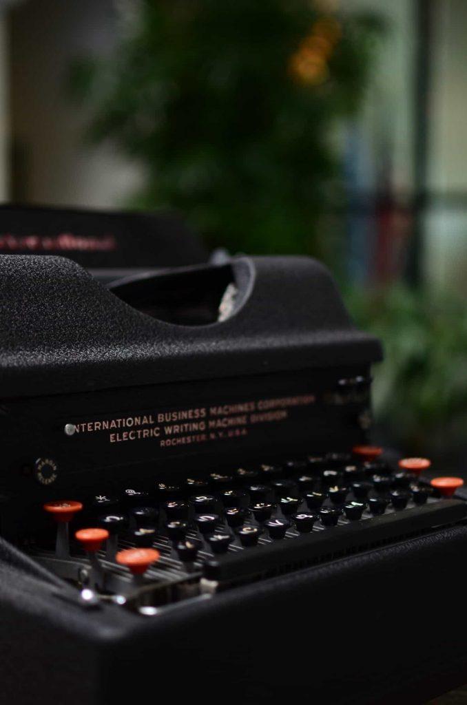 Máquina de escribir eléctrica IBM